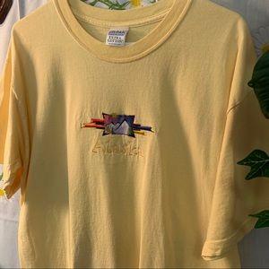 Vintage ALASKA granny style embroidered tshirt